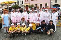 Nejen hasičskou činností je veselský sbor živ. Jeho členové se zapojují do všemožného  společenského dění ve městě. Každoročně jsou například pravidelnými účastníky Jízdy z kopce na čemkoliv a Plavby netradičních plavidel.