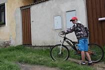 Brandlínský junior Vojtěch Kovanda se právě vrátil z projížďky po pohádkovém okolí osady.