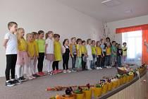 Děti ze Základní školy Tučapy loni vítaly jaro besídkou.