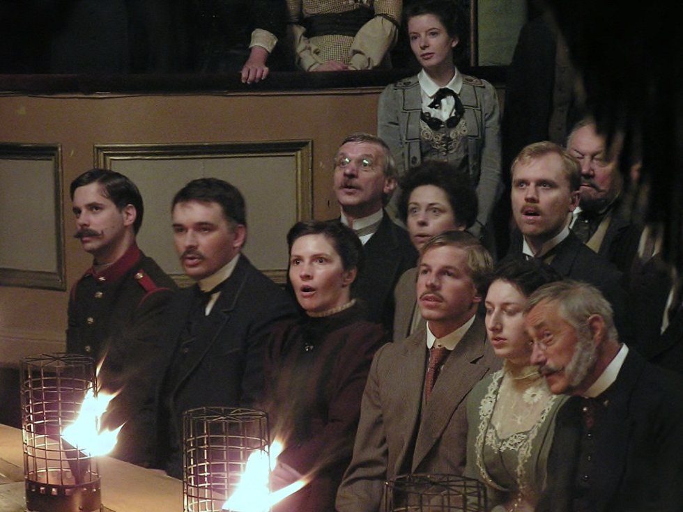 Řada lidí dostala šanci si ve filmu zahrát diváky.