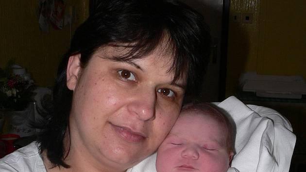 Monika Jelenová, 11. 3. 2008 ve 13.20 hodin, 4 080 g, 53 cm, Borotín