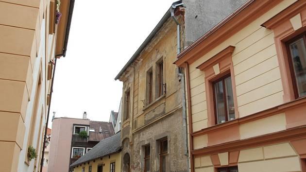 Č.P. 318. Dům v Zahradnické ulici je nyní ke koupi či pronájmu. Postavený byl už zkraje 16. století a tvořilo ho více budov.