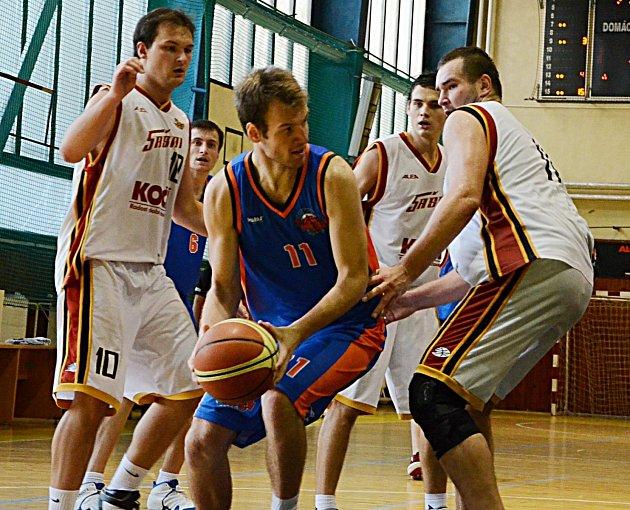 V sestavě BK Tábor nechyběl Pavel Veselý (u míče).