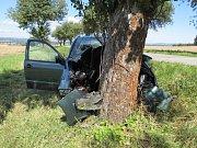 Při tragické nehodě u Semic zemřely dvě osoby.
