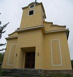 Kostel Církve československé husitské v Chotovinách.