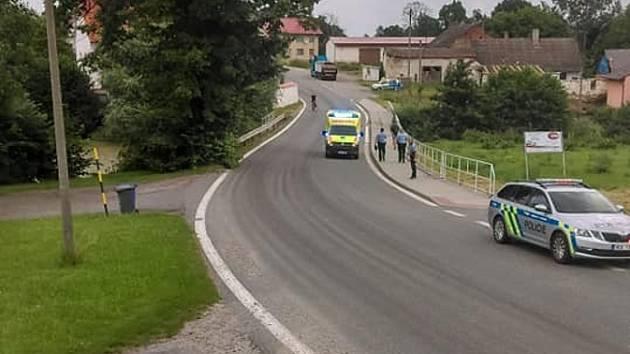 Úterní dopravní událost, při níž byl zraněn cyklista, vyprovokovala obyvatele Blanice u Mladé Vožice k reakci.