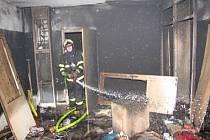 Ilustrační foto. Loni bylo během třech vánočních svátků evidováno 144 požárů v domácnostech se škodou 7,9 mil. Kč.