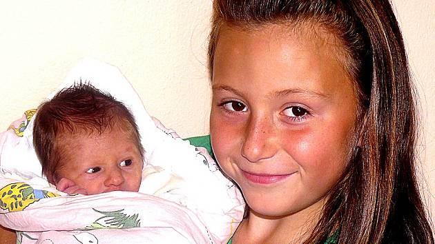 ANEŽKA SCHLEHOFEROVÁ Z TÁBORA. Narodila se 2. září v deset hodin a čtyřicet sedm minut.  Navážili jí  2290 g, naměřili  44 cm a velkou radost z ní má i osmiletá sestřička Eliška.