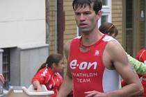 Vítěz letošního běhu Michal Háša hájí barvy E.ON Triathlon Teamu.