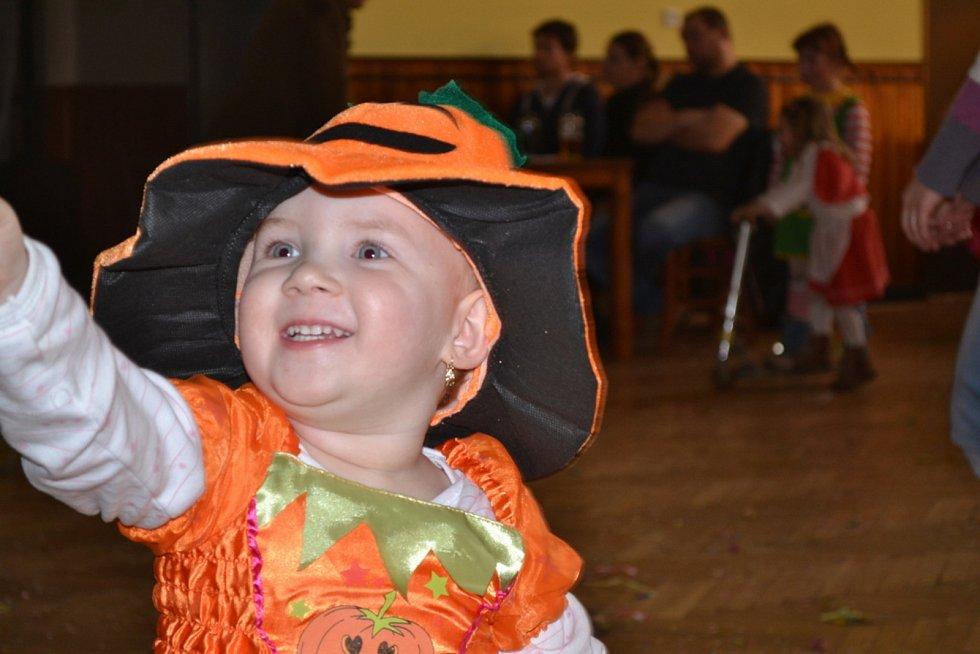 Děti si v sobotu užily karneval v Ratajích.