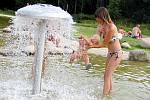 Vodní prvek v podobě hříbku si užila i rok a půl stará Zuzanka Jany Samcové z Drhovic.