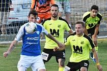 SCM při FC Táborsko prošel také člen současného kádru Marek Icha (v modrém).