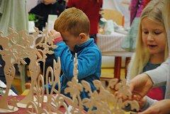O víkendu si díky řadě adventních tvořivých dílniček přijdou na své především děti.
