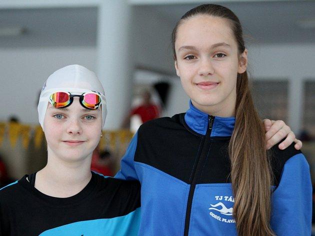 Tereza Věžníková a Simona Marešová (zleva).