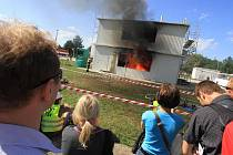 Požár fiktivní budovy ve Veselí nad Lužnicí.