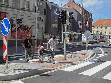 Křižíkovo náměstí v Táboře. Město nechalo upravit systém semaforů pro automobily i chodce