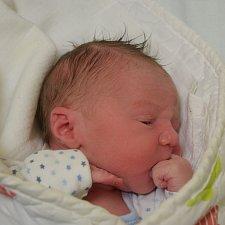 Matyáš Burda ze Zárybničné Lhoty. Rodičům Ladě a Petrovi se narodil 30. října pět minut před devátou hodinou a je jejich prvním dítětem. Vážil 3200 gramů a měřil 48 cm.