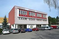 Budova bývalé 8. základní školy na táborském sídlišti nad Lužnicí.