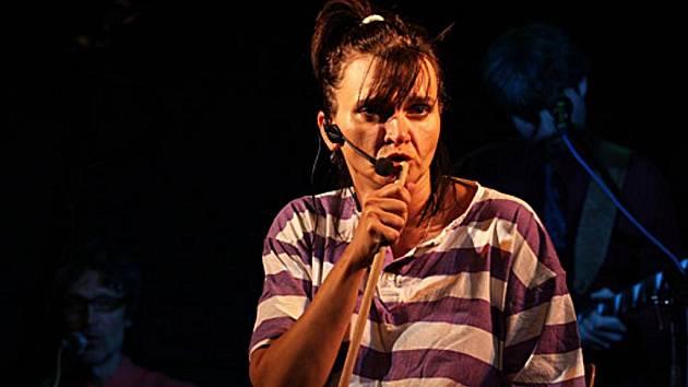 Jazzová zpěvačka a herečka Marta Marinová.