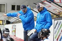 Trenéři mladšího dorostu HC Tábor René Skalický a Petr Bačo (zleva).