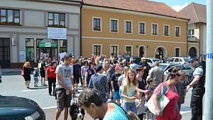 Protest  proti zdržení stavby obchvatu v Chýnově