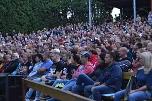 V pátek 16. srpna koncert Jaromíra Nohavici v Letním kině v Sezimově Ústí pokořil hned dva rekordy.