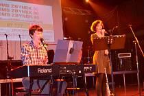 Benefiční koncert Velikonoce s Jesusem přilákal do klubu Milenium řadu posluchačů.