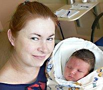 SÁRA TVRDOŇOVÁ ZE SEZIMOVA ÚSTÍ. První dcery se Vladimíra s Jiřím dočkali 16. května ve 14.40 hodin. Vážila 4290 g, měřila 52 cm.