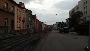 Budějovická ulice podstupuje rekonstrukci v několika etapách. (Stav v červenci 2018.)