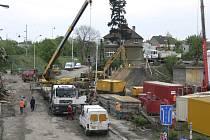 Původní železniční most do Českých Budějovic se k zemi snesl v roce 2007 při stavbě IV. železničního koridoru.