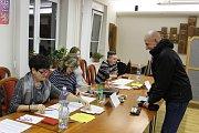 Volby v Sezimově Ústí.