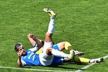 Jakub Matoušek skončil se svými spoluhráči po duelu se Spartou B na lopatkách, byť se v závěru sám gólově prosadil.
