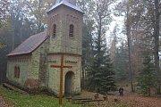 Kaple ve svákovském lese