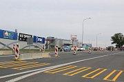 V Táboře u Kauflandu je pro návštěvníky festivalu zřízen provizorní přechod.