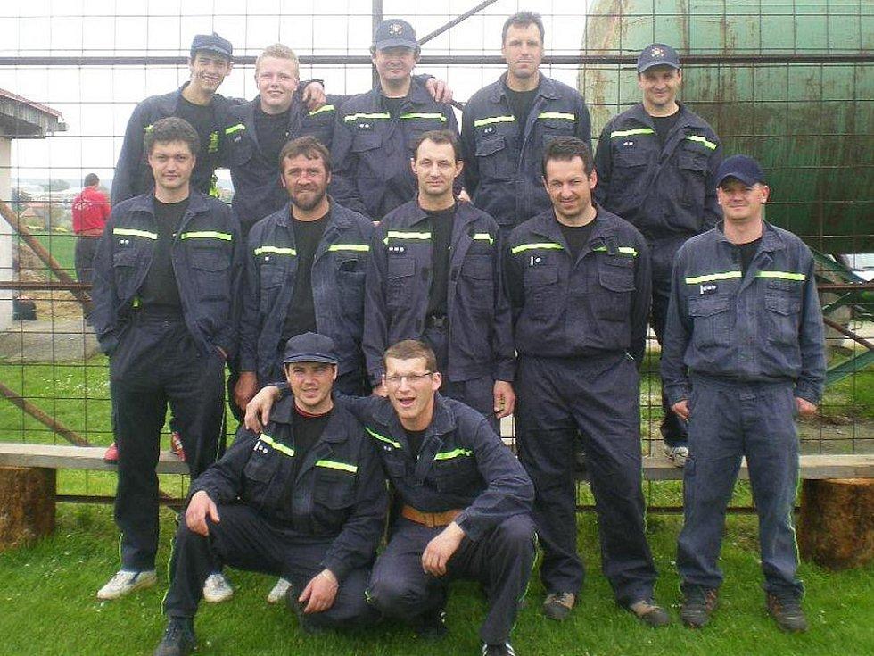 Z okrskového  klání dobrovolných hasičů si libějické družstvo mužů  ll  přivezlo ocenění za třetí místo.