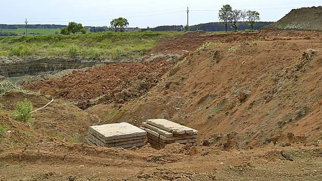 Těžba bentonitu v Maršově.