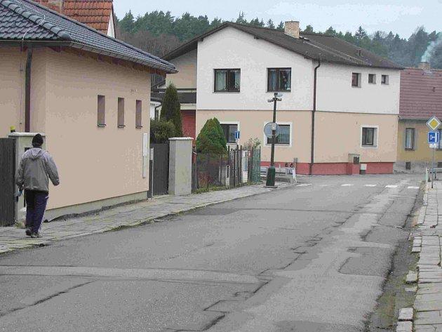 Táborská ulice v Sezimově Ústí I.