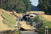 Tudy do dvou let posviští rychlíky. Prohlédněte si, jak povyrostl koridorna Táborsku.