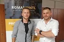 Dokument Velký Šanc měl premiéru v srpnu v táborském kině Svět, kde jej vidělo 170 diváků. Zleva autoři Ivan Kloc a Roman Cintl.