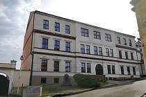 Základní škola v Mladé Vožici se dočká zpomalení dopravního provozu ve své těsné blízkosti.