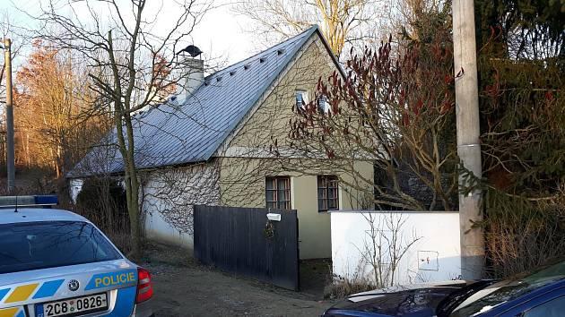 Pohled na rodinný dům na Soběslavsku, kde se stal násilný čin.