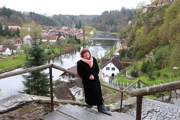 Ivana B. Englmaierová z Bechyně napsala knihu Srdcový erb, magickou a dobrodružnou detektivku pro děti