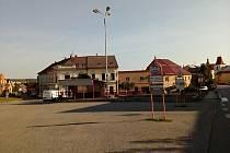 Současná podoba Husova náměstí v Mladé Vožici dozná zásadních změn.