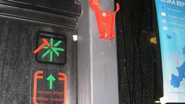 OHROŽENÍ. Jak vlastně vypadají lidé, kteří drobnou krádeží ohrožují život cestujících?