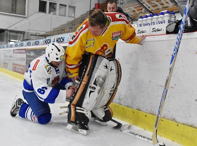 Fotbalisté Táborska a jejich hokejový duel.