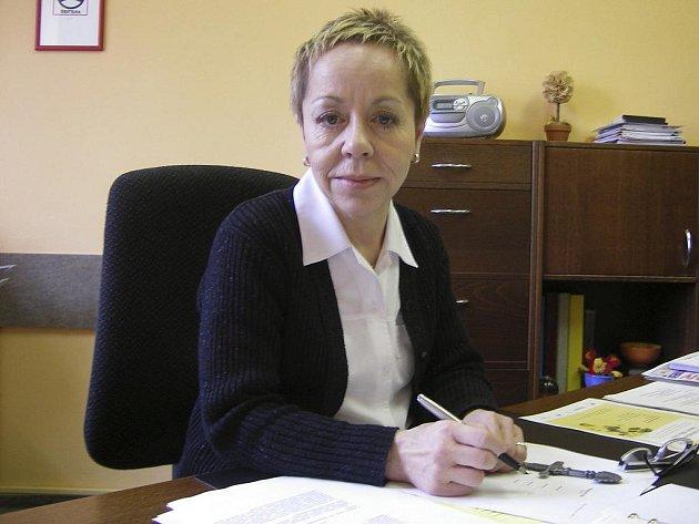 Alena Otrubová se loučí s knihovnou.