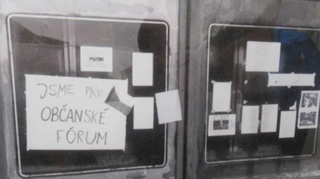 Při zahájení výstavy v Rožmberském domě vzpomínali protagonisté na listopadové události.