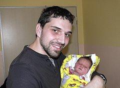 ANDREA KRATOCHVÍLOVÁ Z TÁBORA. Přišla na svět  30. března v 16.46 hodin. První dcera v rodině vážila 3126 gramů a měřila 47 cm .