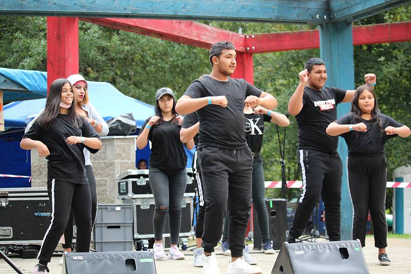 Táborský Romfest v sobotu nabídl hudbu, tanec i rap.