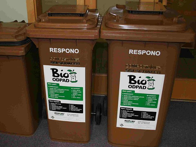 Popelnice na bioodpad.
